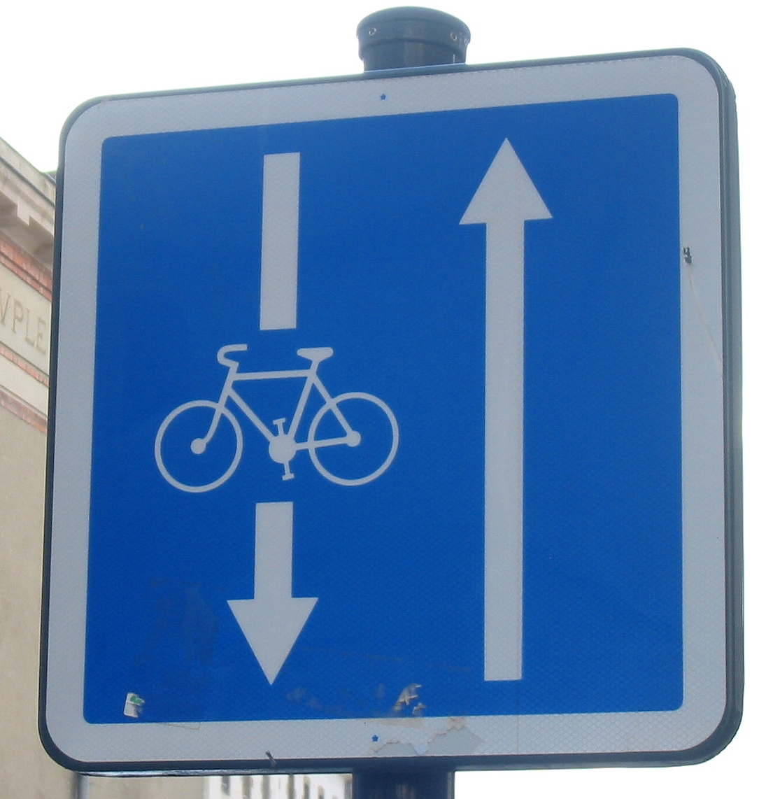 Cycle_contraflow_Rennes_2