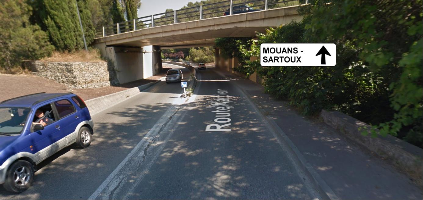 Un couloir étroit très difficile pour le cycliste moyen